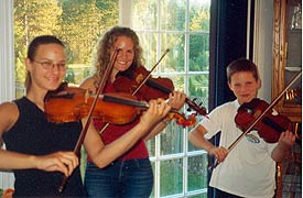 Young Kashub fiddlers